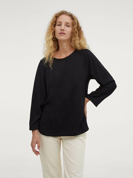 Oferta de Camiseta Con Cuello Redondo por 22,99€