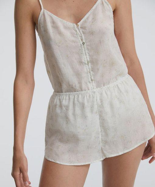Oferta de Shorts blanco florecita por 15,99€