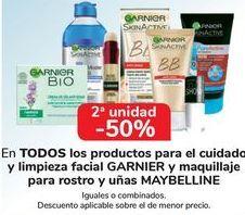 Oferta de En TODOS los productos para el cuidado y limpieza facial GARNIER y maquillaje para rostros y uñas MAYBELLINE por