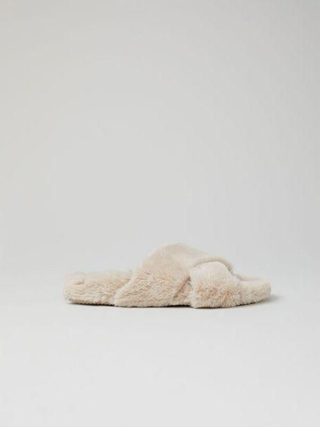 Oferta de Zapatilla de casa cruzada tacto suave por 17,99€
