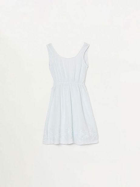 Oferta de Vestido ligero con bajo bordado por 14,99€