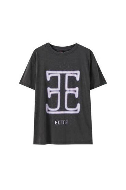 Oferta de Camiseta Élite x Pull&Bear negro delavado por 5,99€