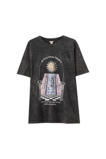 Oferta de Camiseta negro delavado sol por 12,99€