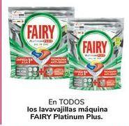 Oferta de En TODOS los lavavajillas máquina FAIRY Platinum Plus  por