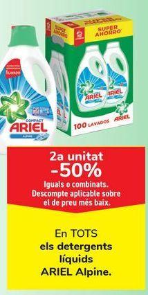 Oferta de En TODOS los detergentes líquidos ARIEL Alpine  por