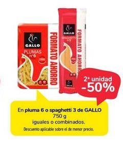 Oferta de En pluma 6 o spaghetti 3 de Gallo por