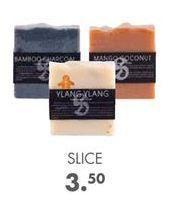 Oferta de SLICE Jabón con aroma 6 olores varios colores por 3,5€
