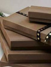 Oferta de BROWNY Caja de regalo marrón A 4 x An. 13.5 x P 9.5 cm por 1,5€