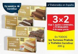 Oferta de En TODOS los Turrones Pralinés y Trufados Carrefour por