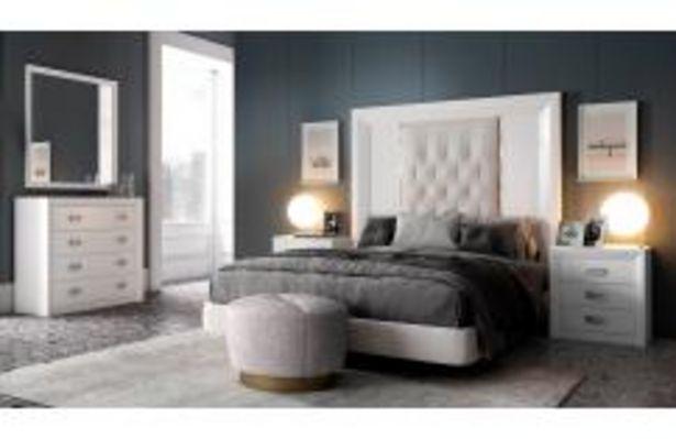 Oferta de Elegante dormitorio de matrimonio con cabecero tapizado por 949,99€