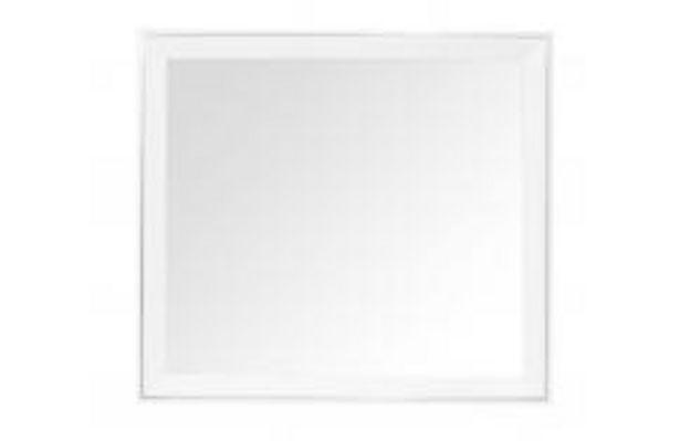Oferta de Elegante espejo con moldura en color blanco por 69,99€