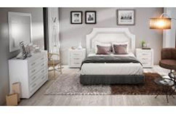 Oferta de Dormitorio de matrimonio blanco de estilo neoclásico con cabecero tapizado por 599,99€