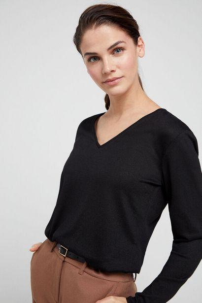 Oferta de Camiseta pico tacto suave por 9,99€