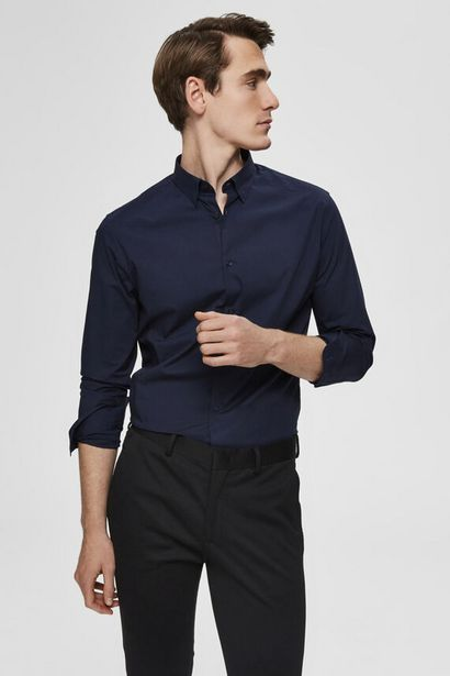 Oferta de Camisa de hombre slim fit por 49,99€