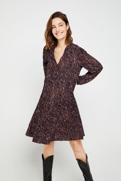 Oferta de Vestido corto estampado por 19,99€