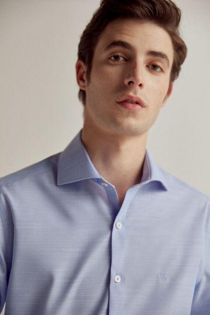 Oferta de Camisa de vestir lisa non-iron por 19,99€