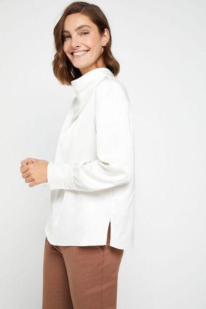 Oferta de Blusa cuello pañuelo por 14,99€