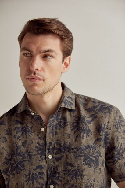 Oferta de Camisa estampada manga corta 100% lino italiano por 19,99€
