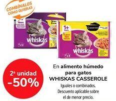 Oferta de En alimento húmedo para gatos WHISKAS CASSEROLE, iguales o combinados  por