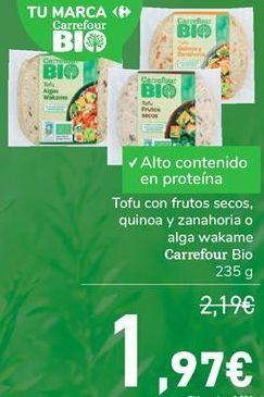 Oferta de Tofy con frutos secos, quinoa y zanahoria o alga wakame Carrefour Bio  por 1,97€