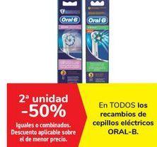 Oferta de En TODOS los recambios de cepillos eléctricos ORAL-B  por