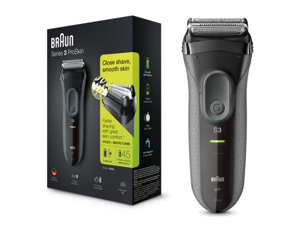 Oferta de Afeitadora BRAUN 3000 S3  por 55,97€