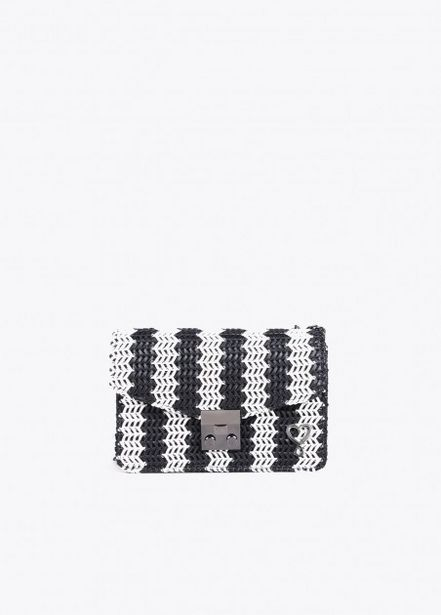 Oferta de Bolso efecto crochet negro por 31,95€