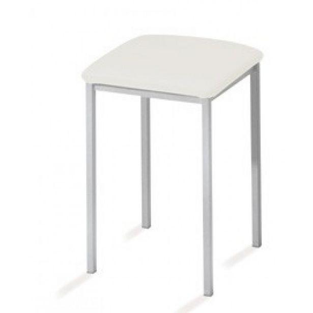 Oferta de Taburete de cocina con estructura en metal y asiento en polipiel. por 54,9€