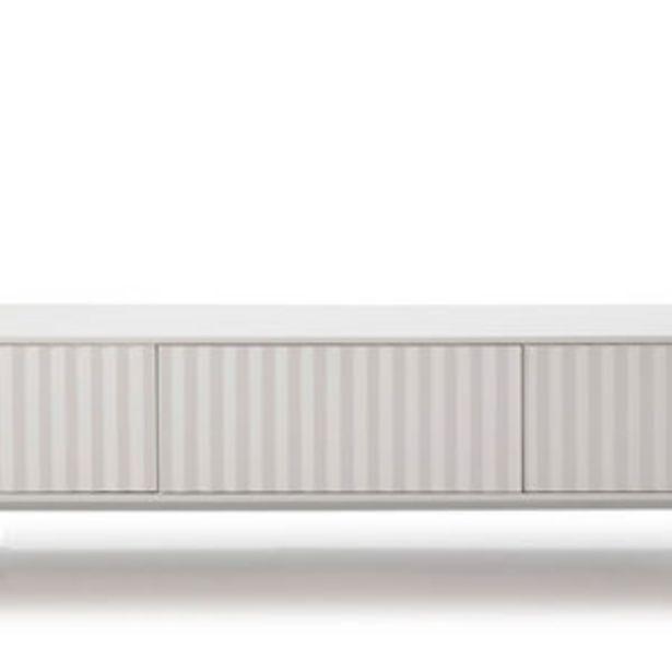 Oferta de Mueble de T.V. de estilo minimalista con acabado lacado en blanco por 455€