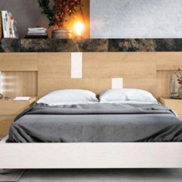 Oferta de Moderno dormitorio de matrimonio completo en roble natural y blanco por 973€