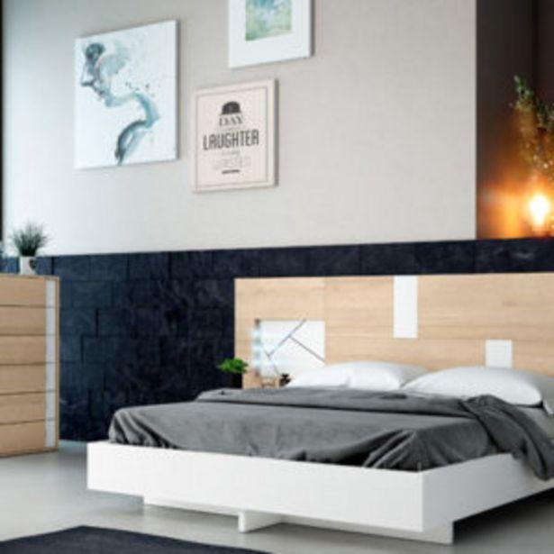 Oferta de Dormitorio de matrimonio con acabados en nordiko y detalles en blanco por 1060€