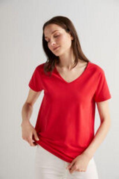 Oferta de Camiseta cuello pico por 5,99€