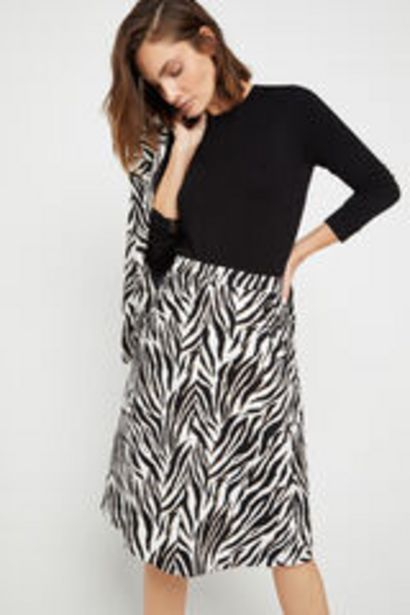 Oferta de Falda midi estampada por 12,99€