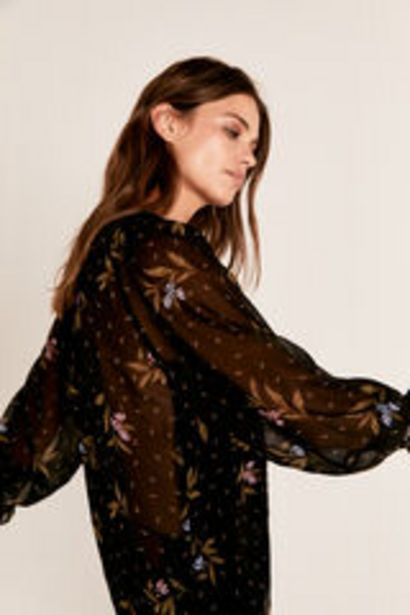 Oferta de Blusa estampada cuello frunce por 19,99€
