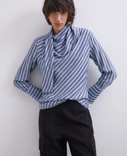 Oferta de Camisa de rayas con lazo incorporado por 39€