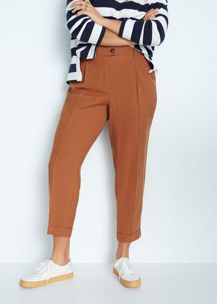 Oferta de Pantalon pleat6 por 22,99€