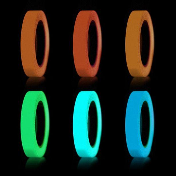 Oferta de Cinta adhesiva de seguridad que brilla en la oscuridad por 1,14€
