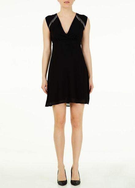Oferta de Vestido corto con flecos por 44,5€
