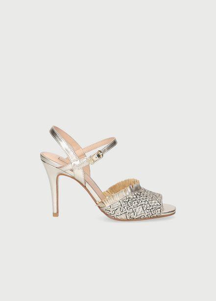 Oferta de Sandalias metalizadas con flecos por 74,5€