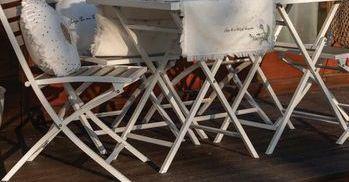 Oferta de Conjunto mesa y sillas por 239€