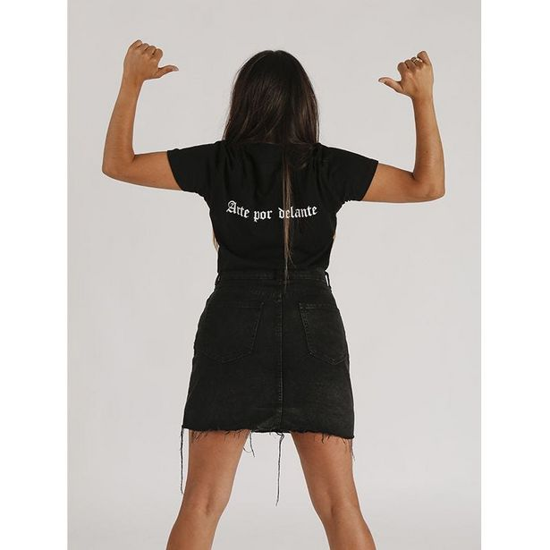 Oferta de Arte camiseta mujer corte entallado por 14,99€