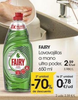 Oferta de FAIRY Lavavajillas a mano ultra poder, 650 ml por 2,59€