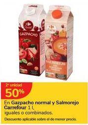 Oferta de En Gazpacho normal y Salmorejo Carrefour por
