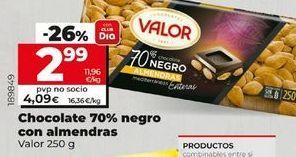 Oferta de Chocolate 70% negro con almendras  por 2,99€