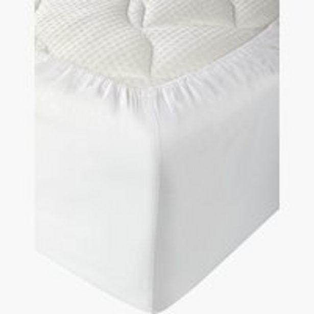 Oferta de Sábana ajust satén 135x200x28cm blanco por 7,5€