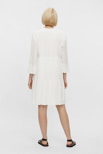 Oferta de Vestido midi bordado por 24,99€