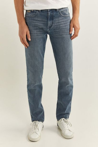 Oferta de Jeans slim lavado medio agrisado por 12,99€