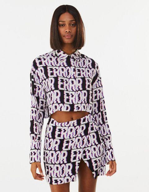 Oferta de Camisa cropped print por 3,99€