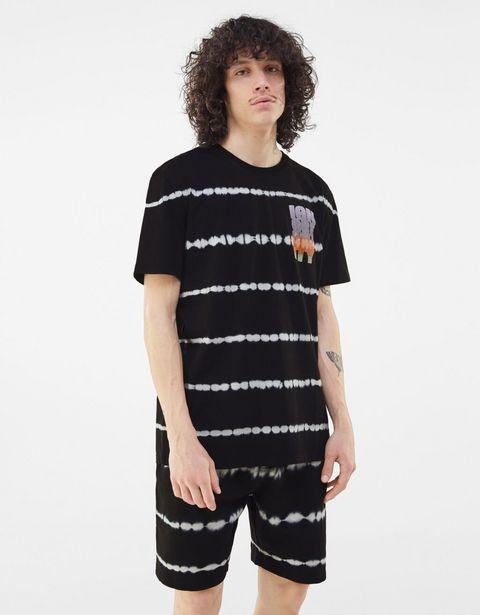 Oferta de Camiseta standard fit por 5,99€
