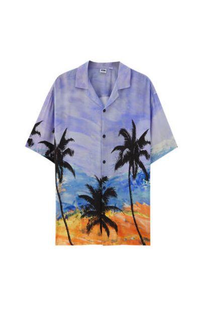 Oferta de Camisa print palmeras manga corta por 9,99€